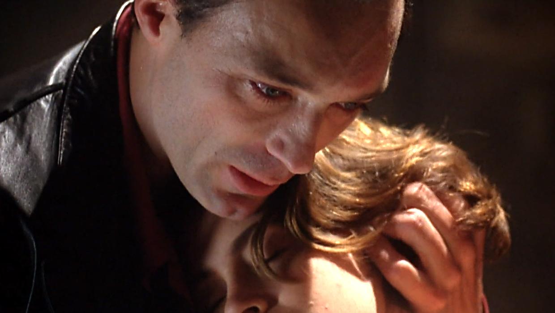 Alyssa Milano Embrace Of The Vampire embrace of the vampire (1995)